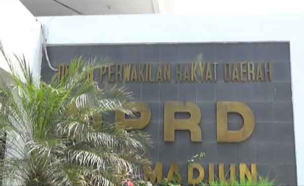 Duh, 2 Anggota DPRD  Terlibat Hutang Piutang
