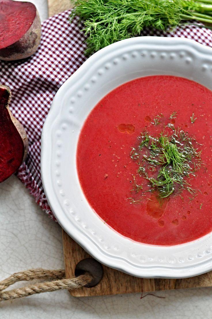 Polévka z červené řepy, polévka z řepy, červená řepa, vařená červená řepa