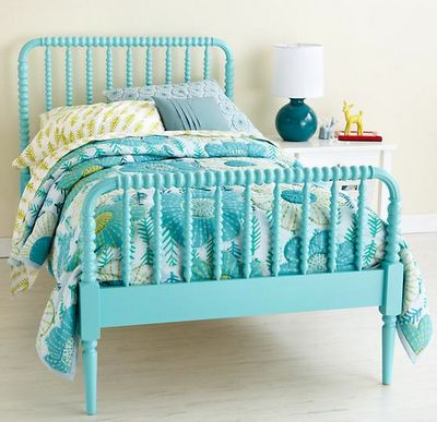 jenny lind bed painted turquoise via @EverythingTurquoise -
