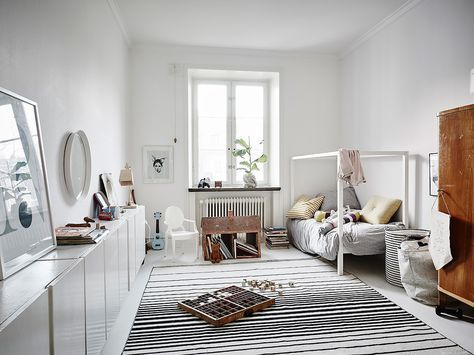 Nu ligger en härlig våning i Göteborg ute till försäljning. Styling av Charlotte Ryding och Emma Fischer. Det är en femma så här följer ett litet b
