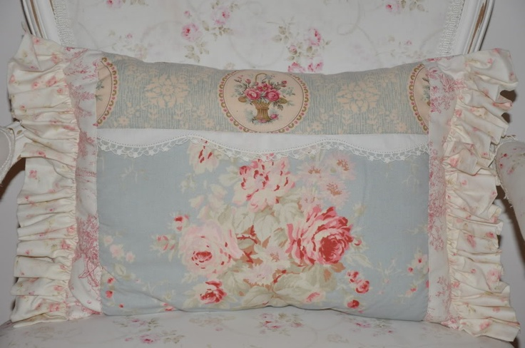 Shabby Chic Blue Pillows : http://designerget.com/gallery/shabby%20chic%20decor Shabby Chic Modern Pinterest Blue ...