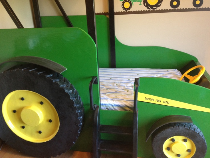 My dad made this AMAZING tractor bed!!!! He did an incredible job