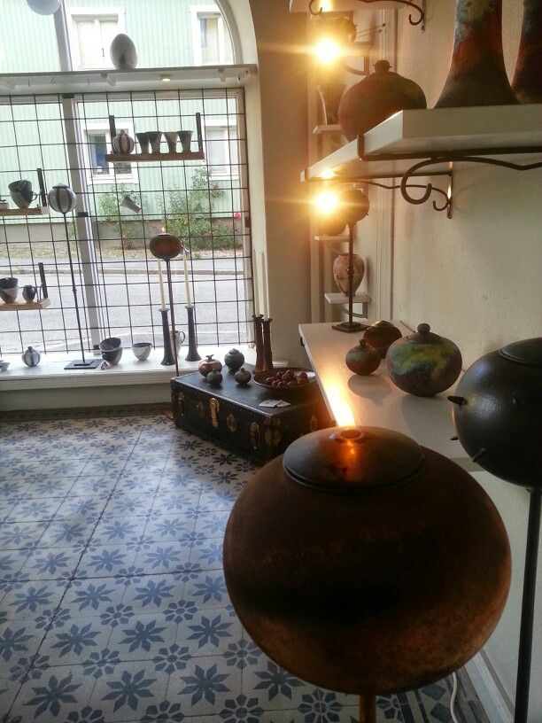 Interior/Ceramics/Raku