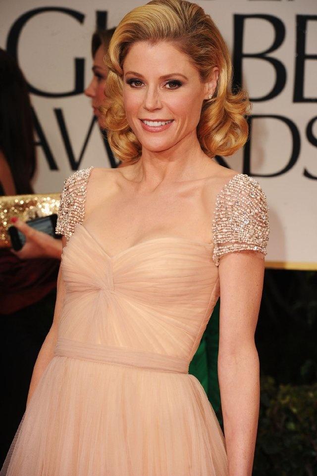 Sweet 50's hair, swept back curls. 2012 Golden Globes