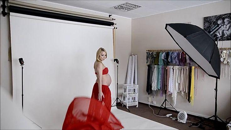 Sesja brzuszkowa w studio Fotokraina - powiewająca suknia