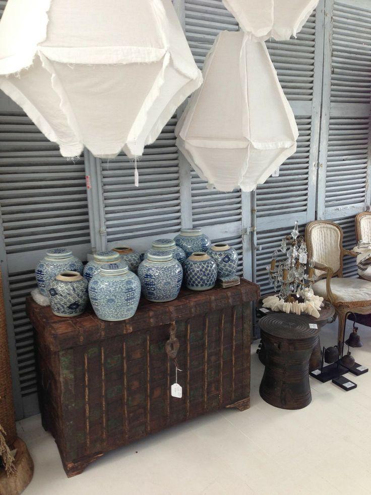 Traditional Chinese Interiors | Traditional Chinese, Hand Painted Blue and White Ceramics | LUMU ...