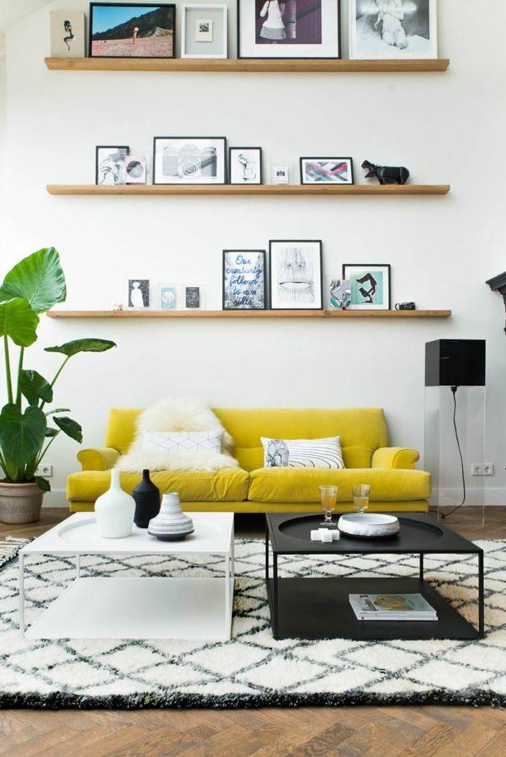 déco hiver de salon avec canapé jaune