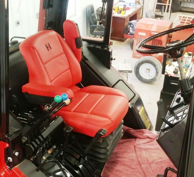 IH 5488 Seat Updated to Magnum Styling - General IH - Red ...