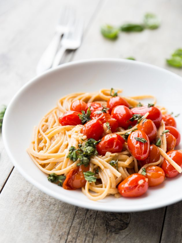 Juicy tomatoes and whole wheat linguine tossed with a quick and flavorful garlic butter sauce.