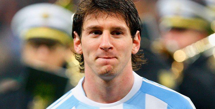 Knapper Sieg für Messi & Co. - Messi machte den Unterschied: Mühsam haben sich der viermalige Weltfußballer und seine argentinischen Mannschaftskollegen zu einem 2:1-Sieg gegen ein Team gezittert, das zum ersten Mal an einer Fußball-WM teilnimmt: Bosnien-Herzegowina. Erst gegen Ende drehte der Superstar auf.