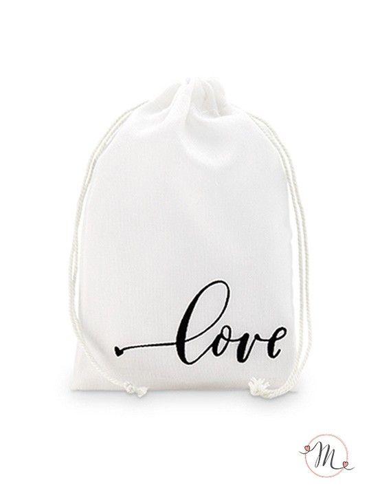 Mini wedding bag in cotone love. Eleganti wedding bags in cotone color bianco sporco dove poter inserire tutto quel che serve per le nozze. Misure: 10 x 15 cm.  #matrimonio #wedding #weddingideas #weddingbags #party #ceremony