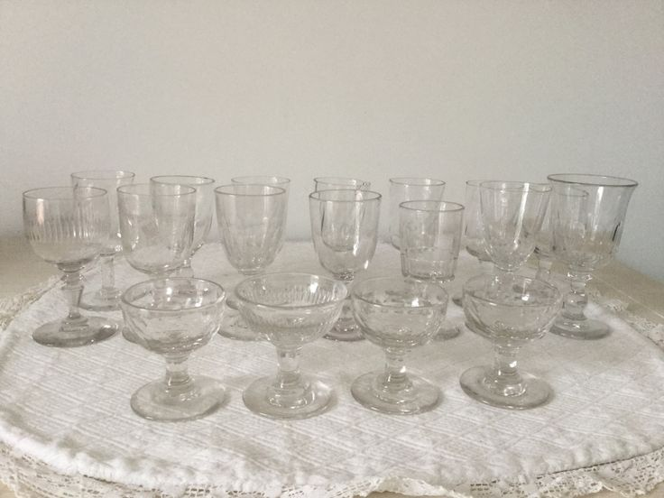 18 small glasses French Vintage, for wine and liquor glasses, Handmade, early 20th small glasses, blown glassware several mixed sets de la boutique VintagedeFrance sur Etsy