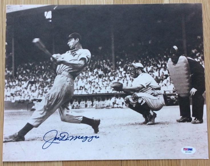 Joe DiMaggio New York Yankees signed Autographed 11x14 Photo - PSA (Ships Free)