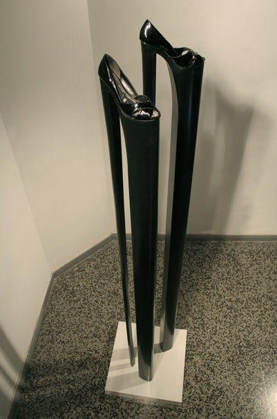 Endless High Heel Sculptures - Yoan Capote