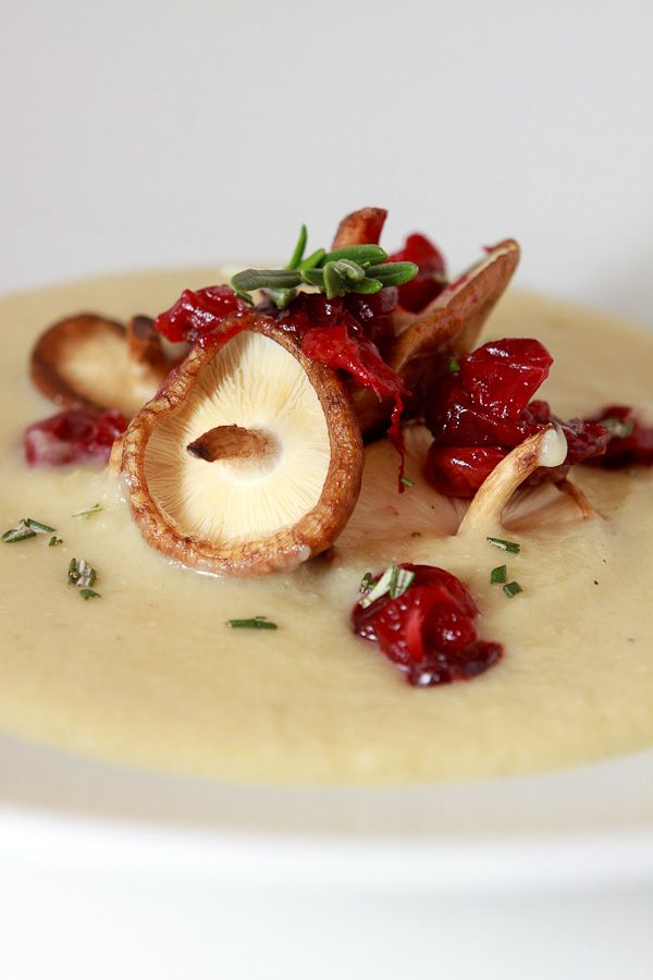 Kartoffel-Sellerie-Suppe mit Cranberry-Chutney und Amaretto vom virtuellen Koch-Event mit Matthias Ruta von Staatl. Fachingen.