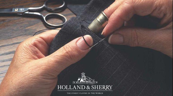 Holland & Sherry to angielski producent wysokiej jakości materiałów ubraniowych.   Wełny dostarczane TIVIANO przez Holland & Sherry charakteryzują się szeroką paletą barw i różnorodnością wzorów, od delikatnego pastelowego wrzosu po ciemny granat, od tkanin gładkich aż po różnokolorowy tenis i kratę.