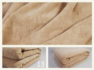 Příjemná deka světlo pískové barvy
