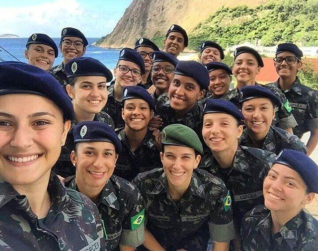 Guerreiras do Exército Brasileiro 💀👮🇧🇷  -  Warriors of the Brazilian Army 💀👮🇧🇷  #brasil #usa #force #força #honra #fé #like4like#likeforlike #tagsforlikes #determination #blessed#militar #guerra #war #good #follow4follow#policiamilitar #militaresdomundo #respect #polizei#bope #goodnight #boanoite #girls #gta#goodmorning #sniper #bomdia #military #good #army