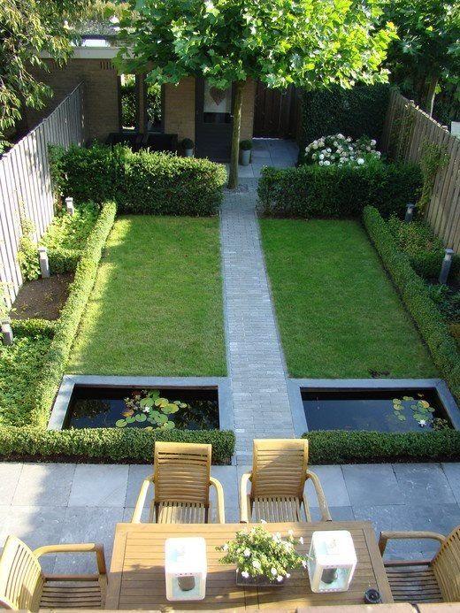 Prachtige symmetrische achtertuin, schuur mooi weggewerkt, veel groen. Geen vijver in onze tuin!
