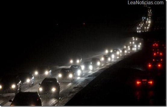 "Afectados por ""Sandy"" se quedaron sin luz por una tormenta invernal - http://www.leanoticias.com/2012/12/29/afectados-por-sandy-se-quedaron-sin-luz-por-una-tormenta-invernal/"