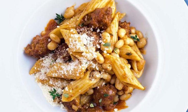 Die echte italienische Küche: Sterneköchin Cornelia Poletto zeigt das Rezept für Pasta mit Salsiccia.