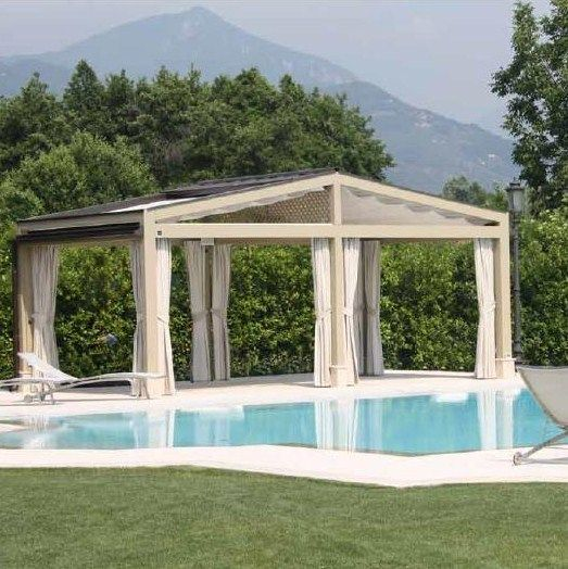 Pergotenta PT 120 CORRADI HoutenTerrasoverkapping, Corradi Pergotenda 120, een modulair klassiek vormgegeven, vrijstaande houten pergola, met een zelfdragend uitschuifbaar systeem dat bescherming biedt tegen zon en regen.