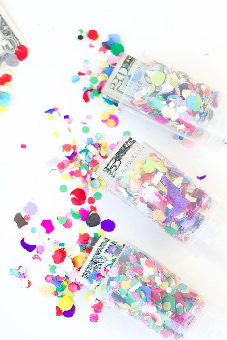 Geld geven niet leuk? Wel met deze DIY Surprise Money Confetti Poppers! | Party | via: www.studiodiy.com