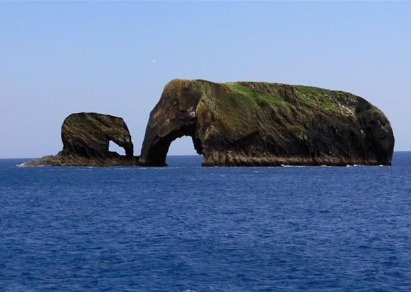 Natural rock formations - Elephants