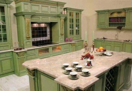 Зеленая кухня в кантри стиле