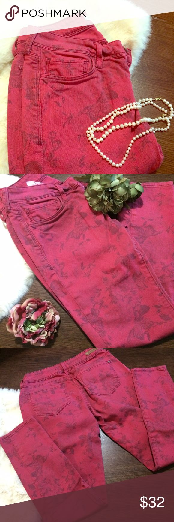 Mavi Jeans Size 27 Mavi Alexa ankle jeans in a pinkish red color with floral print. Good condition. Worn a couple times. Color did fade a bit but they still look beautiful. 🚫 No trades 🚫 No 🅿️ay🅿️al 🚫 No Ⓜ️ercari 💕ask me about bundles 💸 lowest prices up front 🎀 Mavi Jeans Skinny