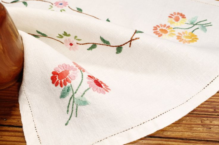 White Table Covering, Embroidered Placemat, Embroidered Table Topper by ClockworkRummage on Etsy