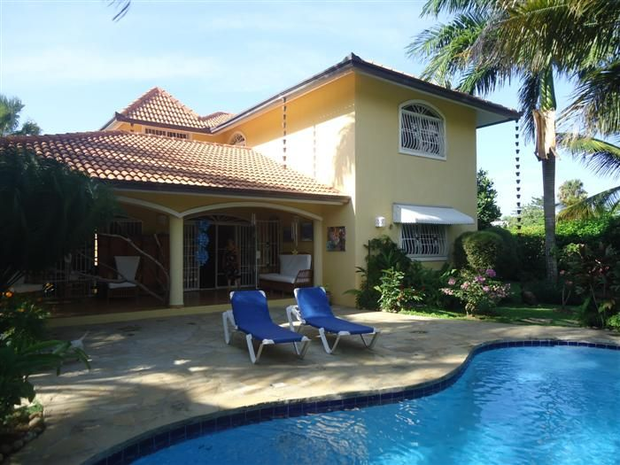 Listing #: v-12086 LG City: Cabarete Price: U$350,000 Bedrooms: 3 Bathrooms: 2.5 Apartments: 2 Living area (sq. Feet): 2480 / sq Meters: 230 Lot Size (sq Feet): 10224 / sq Meters: 950 - See more at: http://www.ambercoastrealty.com/listing-property-with-two-apartments-for-sale-in-sosua-773.html#sthash.E4mP0jQS.dpuf