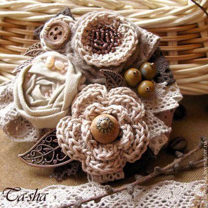 """""""Шоколад и сливки"""" брошь из ткани и пряжи, бохо украшение, цветы букет -"""