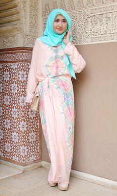 Model Busana Muslim Dian Pelangi untuk Pesta