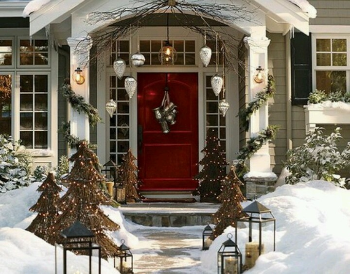 Captivating Gorgeous And Luxury Christmas Decoration For Front Door, Featured With  Hanging Ornaments, Branches, Evergreen And Decorated Christmas Trees.