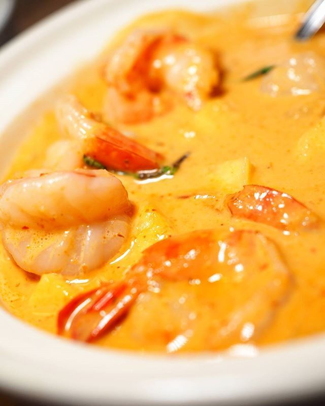 Red is the colour of my favourite curry and @twinfish_ makes a mean one    80 Courtneypark Dr E Mississauga     #redcurry #mississauga #thaicuisine #tofoodies #ypdine #insaugafoodscene #Torontofood #TodayIFooded #yyzblogger #yyzeats #foodphotographer #TorontoFoodPhotographer #canadiancreatives #toreats #curiocityTO