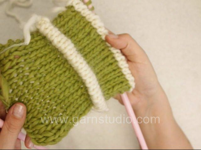 DROPS Knitting Tutorial: How to knit Pintuck aka Tuck