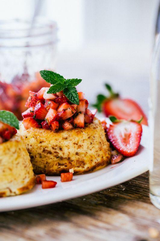 Baked ricotta with truskawową salsa | Gotuje Bo Lubi
