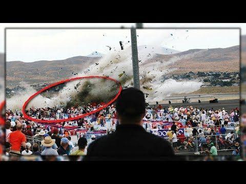 Top 10 Momentos Aterradores Captados Por Una Cámara - VER VÍDEO -> http://quehubocolombia.com/top-10-momentos-aterradores-captados-por-una-camara    Facebook: Twitter: La Furia de la de la naturaleza y la estupidez del ser humano acaran con el planeta. Créditos de vídeo a Popular on YouTube – Colombia YouTube channel