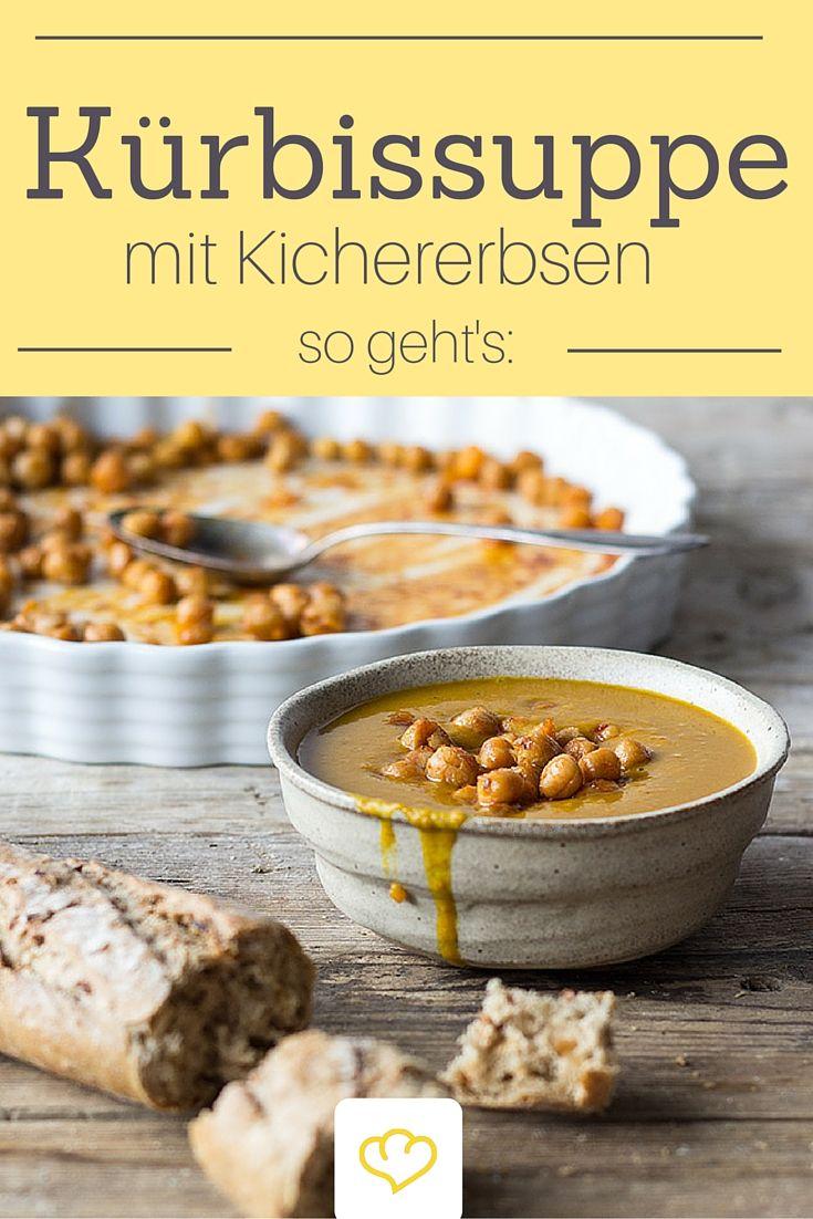 Kürbissuppe bekommt mit Chili, Sesampaste und natürlich Kichererbsen Orient-Flavour!