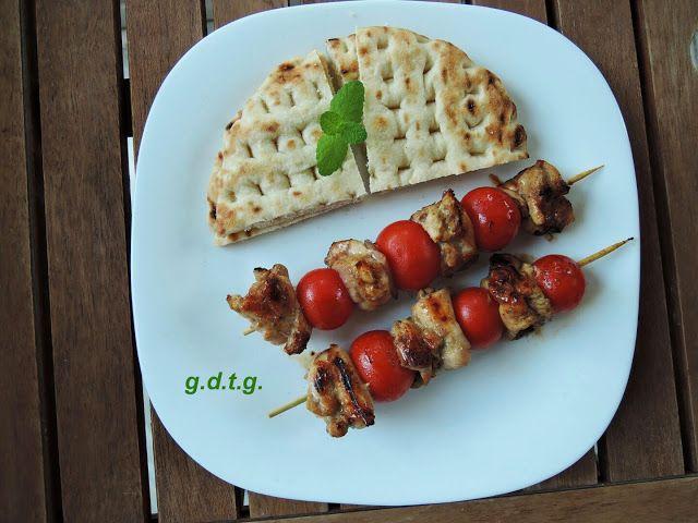 Το Ελληνικό Χρέος στη Γαστρονομία: Γλυκόξινα σουβλάκια κοτόπουλου