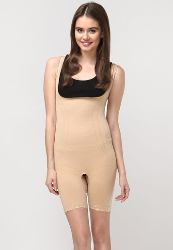 Accentuate your body curves by wearing this skinny-fit ...