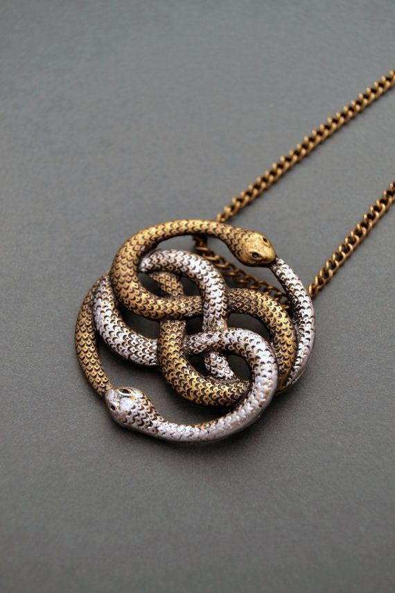 Auryn necklace Infinite snake necklace Snake by ValkyriesSong                                                                                                                                                                                 Mais