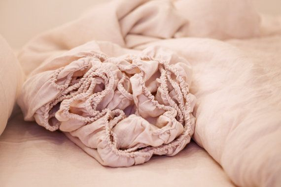 Stunning! Softened linen fitted sheet. Pale pink colour. Pink by MagicLinen.