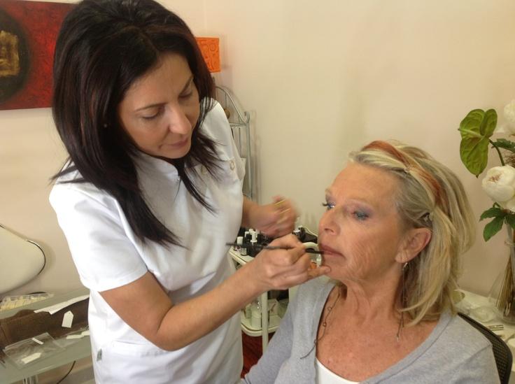 Maquillaje,belleza,extensiones faciales,imagen,salud,rejuvenecimiento