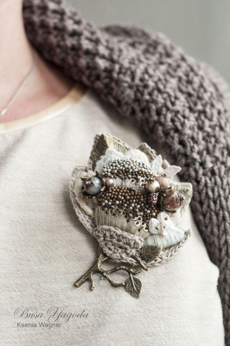 """Купить Брошь с вышивкой """"Блики ноября"""" - бежевый, жемчужный, брошь с жемчугом, брошь с вышивкой"""