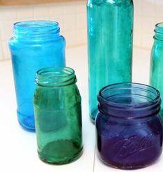 Aprende a teñir vidrio, ¡y da color a frascos y botellas!