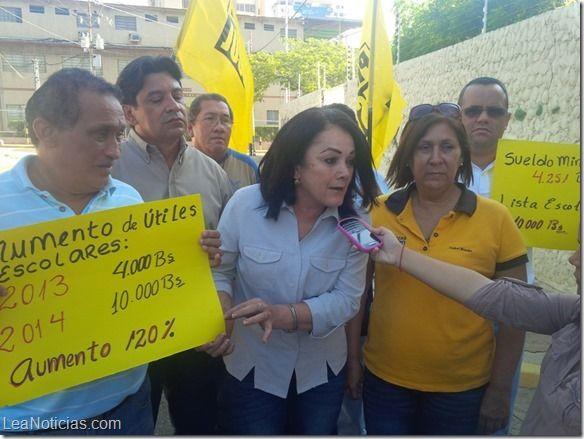 """Primero Justicia: """"Útiles y uniformes aumentaron más de 120% en un año"""" - http://www.leanoticias.com/2014/09/08/primero-justicia-utiles-y-uniformes-aumentaron-mas-de-120-en-un-ano/"""