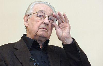 Известный польский режиссер Анджей Вайда скончался в возрасте 90 лет - ТАСС