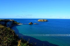 - Carrick-a-rede -   Carrick-a-rede sur le côte d'Antrim en Irlande du Nord!   #irlande#nord#Ireland#irish#europe#travel#antrim#carrickarede#ropebridge#photography#petitedecouverte#paradisique